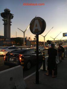 ロサンゼルス空港からアナハイム ウーバー